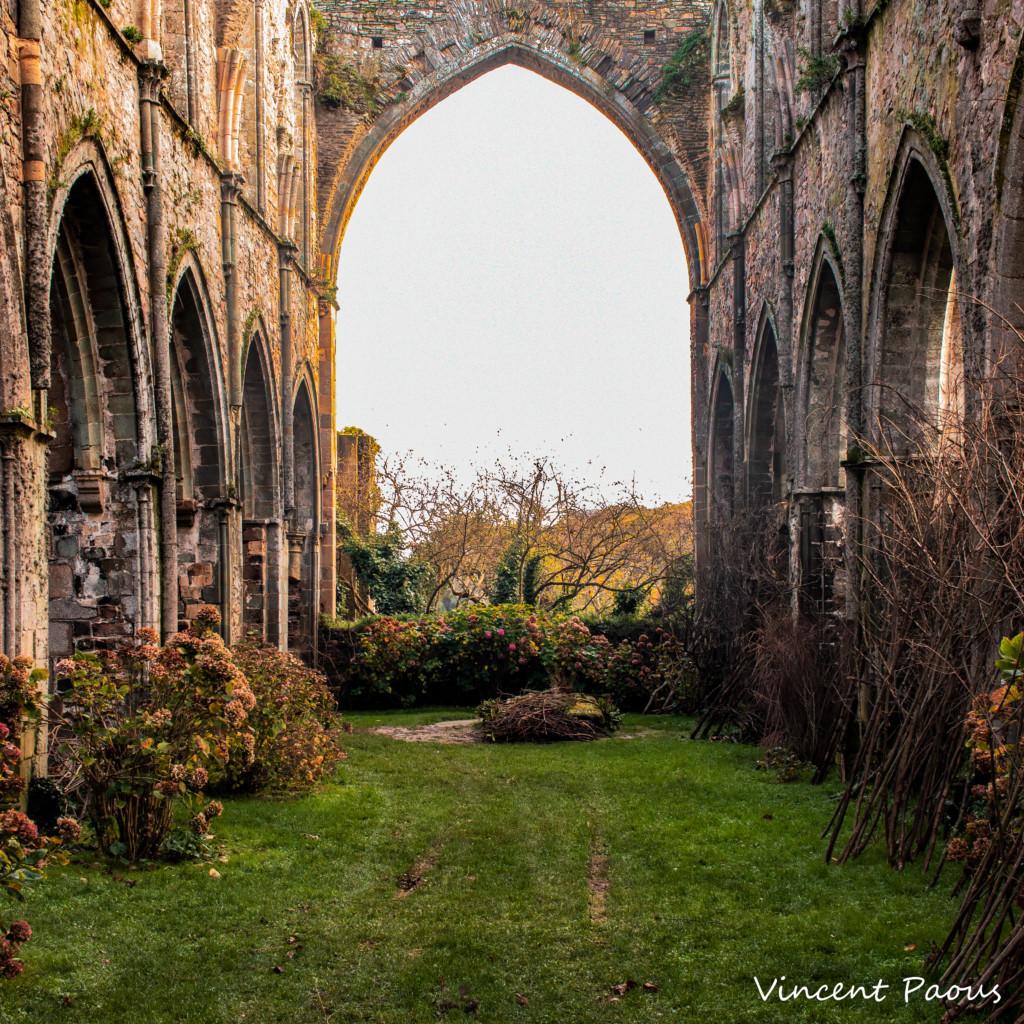 l'abbaye de Beauport, son calme et sa lumière